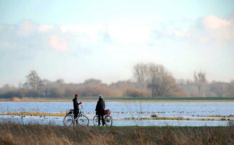 Bike It Radfahrer an der Wümme