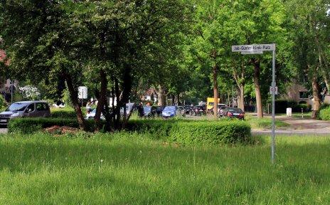 Eine grüne Verkehrsinsel in der Vahr