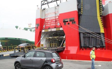 Autoverladung am Autoterminal Bremerhaven (Quelle: K Line)