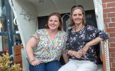 Sabine Fröhlich und Leslie Schoßmeier-Prigge aus dem Schotterweg-Team des Starthauses.