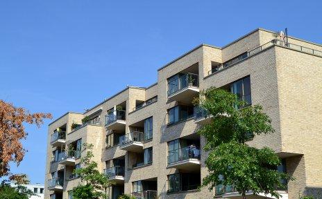 Die Balkone der Riversidegebäude