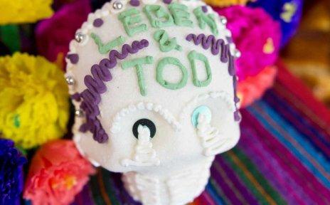 Ein traditioneller mexikanischer Zuckerschädel.