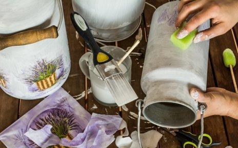 Upcycling von alten Behältern.