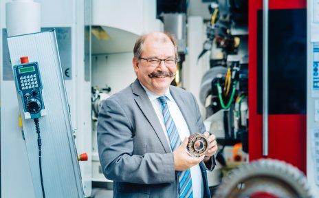 Prof. Dr.-Ing. habil. Bernhard Karpuschewski