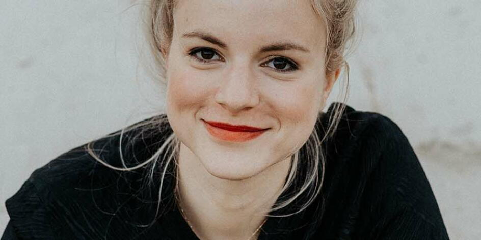 Julia Engelmann – Glücksverkatert Poesie & Musik – Live 2022