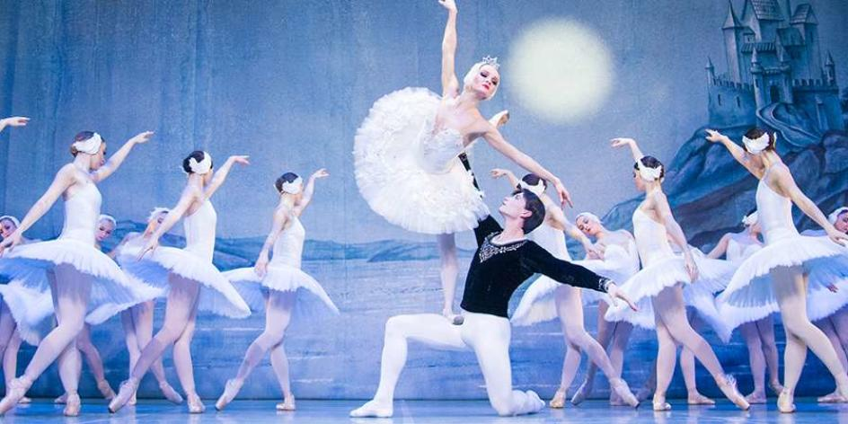 Schwanensee – St. Petersburg Festival Ballet & Hungary Fest. Orchester