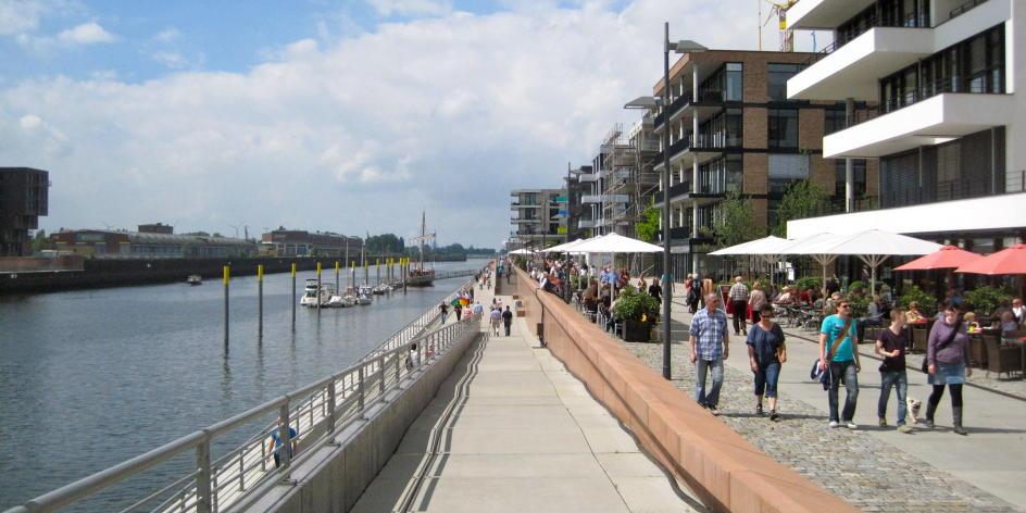 Alter Hafen wird neues Quartier: Führung durch die Bremer Überseestadt