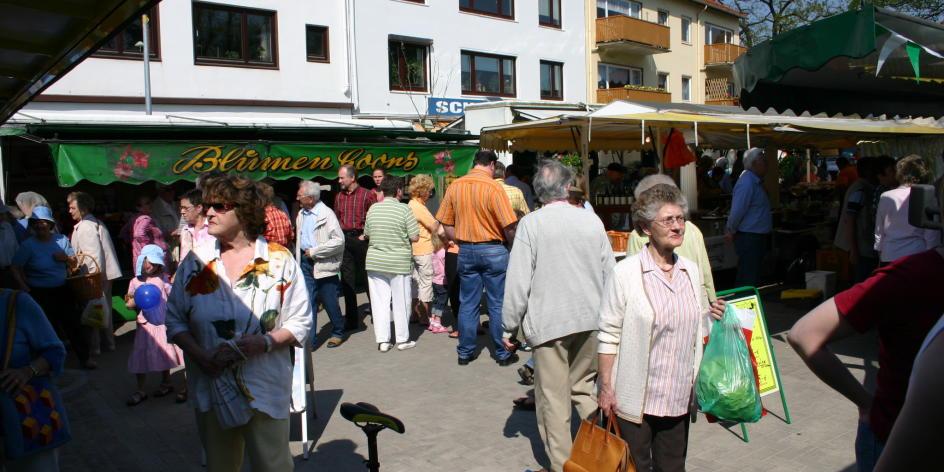 Wochenmarkt auf dem Heinz-Hinners-Platz