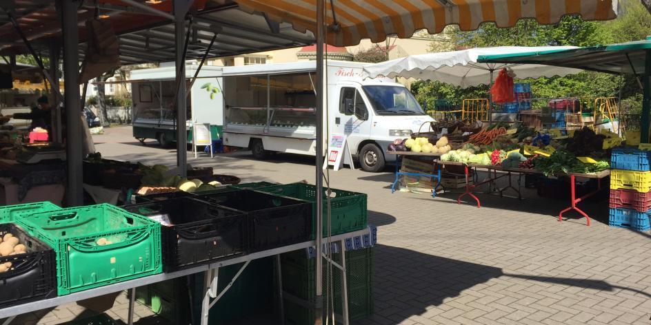 Wochenmarkt: Schwachhausen / Wachmannstraße / Benqueplatz