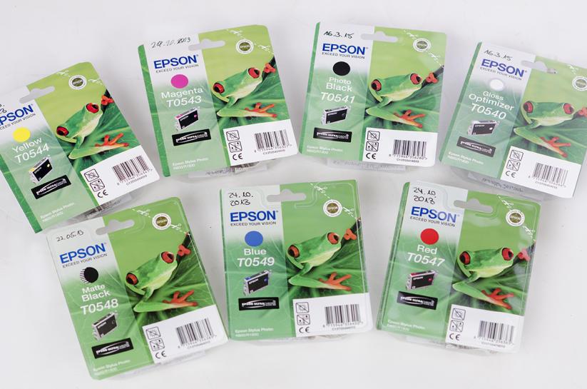 Angebot: Tintenpatronen für R800 und R1800
