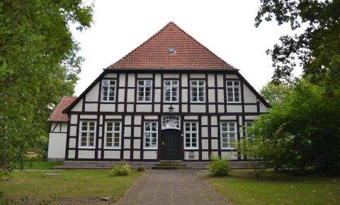 Nebengebäude des Schloss Schönebeck.