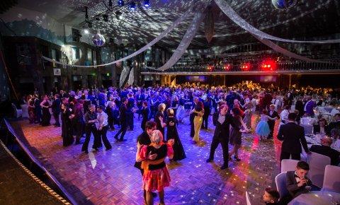 Blick in den Ballsaal des Dancing Superstars Festivals