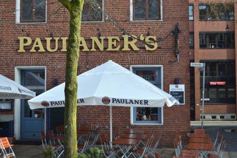 """Außenansicht des Restaurants """"Paulaner´s"""" an der Bremer Schlachte."""