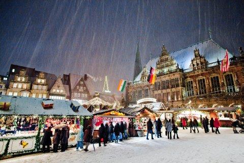 Bremer Weihnachtsmarkt bei Schneefall