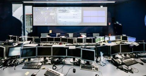 Im Kontrollzentrum können die Vorgänge auf der ISS überwacht werden