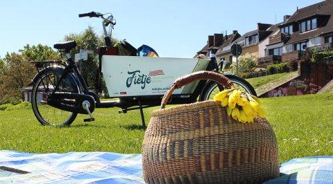 Das Fietje Lastenrad in der Neustadt und ein Picknickkorb
