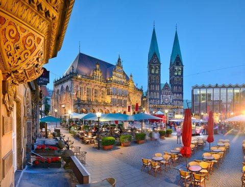 Bremer Marktplatz am Abend