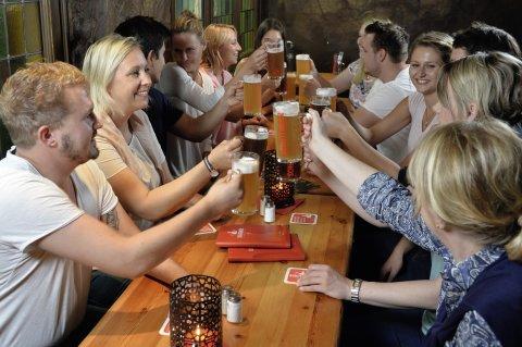 Gruppe in der Gasthausbrauerei Schüttinger