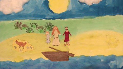 Ein gebasteltes Bild mit Kinderzeichnungen. Es zeigt ein Mädchen, eine Frau und einen Mann am Ufer, vor Ihnen liegt ein Boot im Wasser. Sie beobachten eine Henne mit vier Küken.
