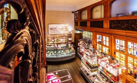 Blick in das traditionsreiche Hachez-Geschäft in der Bremer Innenstadt.