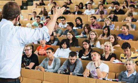 Im Hörsaal: Hochschulen im Land Bremen sind für Studierende attraktiv.