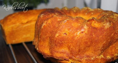 Frisch gebackenes Kürbisbrot