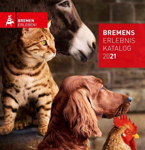 Esel, Hund, Katze und Hahn auf der Vorderseite des Reisekatalogs 2021