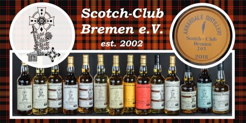 Verschiedene Flaschen mit Scotch stehen nebeneinander. Darüber ist das Logo des Scotch-Clubs zu sehen.