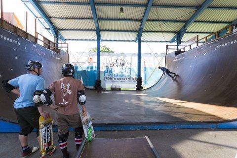Skater im Sportgarten