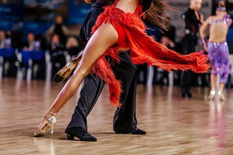Tanzfigur eines Tanzpaares