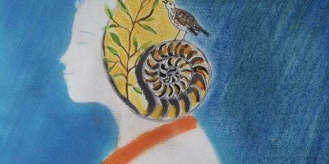 Ein gemaltes Bild. Es zeigt einen Kopf in Profilansicht, auf der Höhe des Ohres befindet sich ein Schneckenhaus, aus dem ein Zweig mit grünen Blättern wächst. Auf dem Schneckenhaus steht ein singender Vogel.