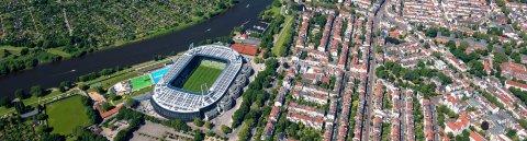 Luftaufnahme von Bremen zeigt die Gegend um Weser-Stadion und Weser