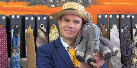 """Szene aus """"Wie der Elefant zu seinem Rüssel kam""""."""