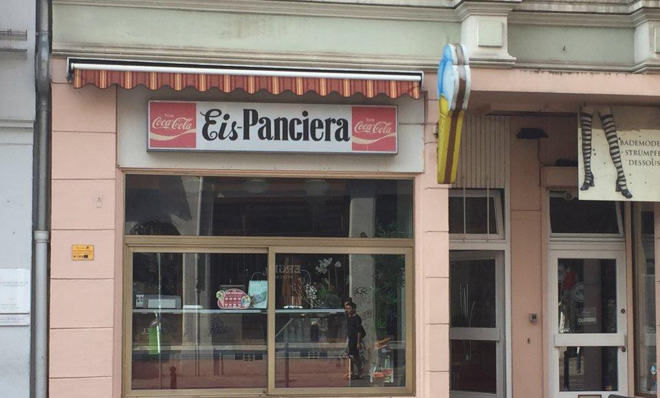 Außenansicht von Eis Panciera im Viertel.