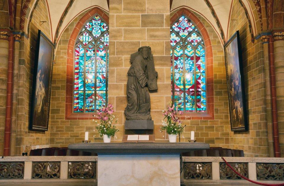 Der Mittelaltar im St.-Petri-Dom.