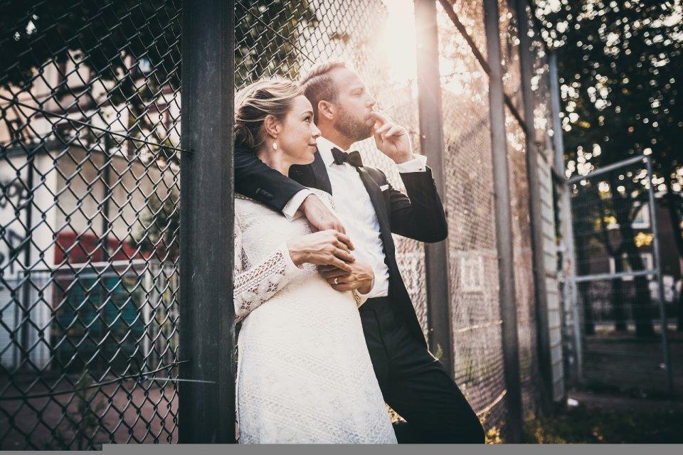 Ein Brautpaar im bremer Viertel