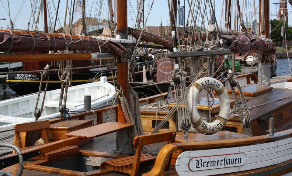 Traditioneller Segelboote im Alten Hafen von Bremerhaven