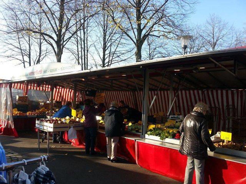 Blick auf den Arberger Wochenmarkt