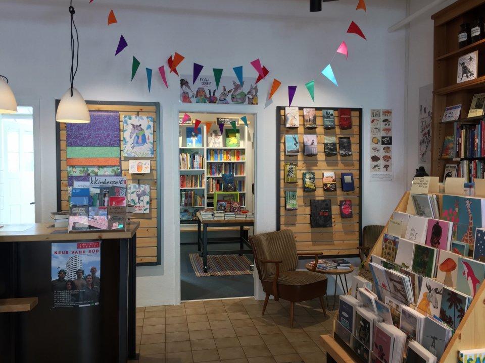 Eine Innenaufnahme des Buchladens Buntentor im Buntentorsteinweg.
