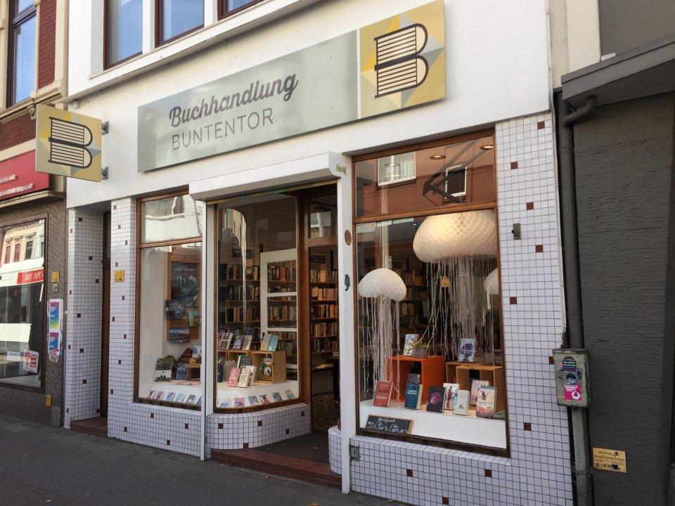 Eine Außenaufnahme des Buchladens Buntentor im Buntentorsteinweg.