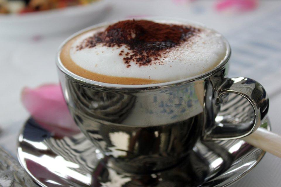 Eine Tasse Cappucino