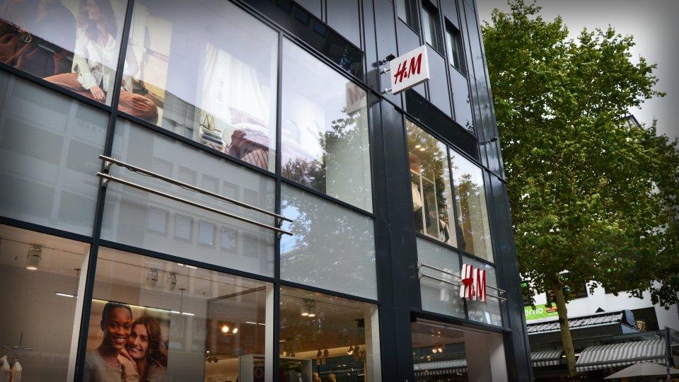 H&M von Außen.