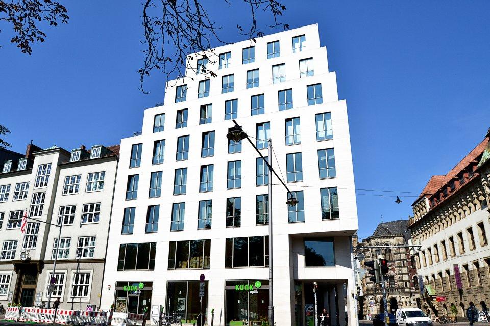 Das Kontorhaus Altenwall aus der seitlichen Ansicht