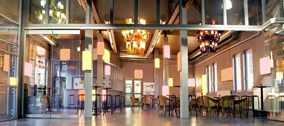 Blick in die Bar im Kulturbahnhof Vegesack