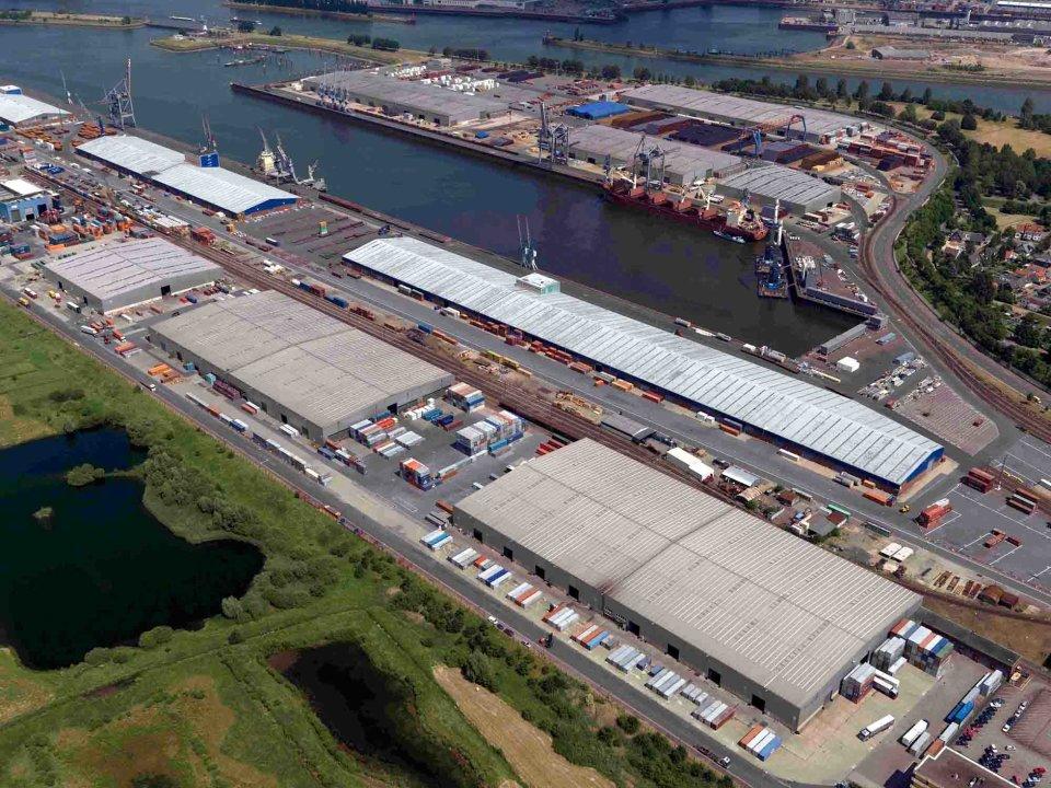 Luftbild vom Neustädter Hafen (Quelle: bremenports und BLG LOGISTICS / Foto: Wolfhard Scheer)