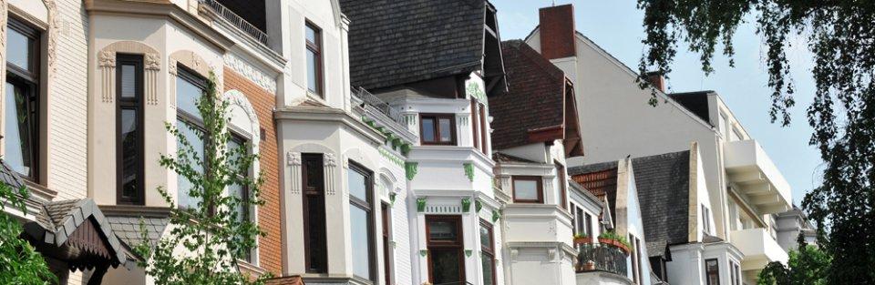 Eine Reihe Altbremer Häuser in Schwachhausen.