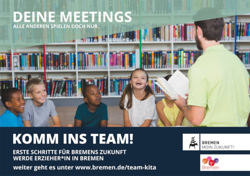 Eine Gruppe im Meeting wirbt für Fachkräfte