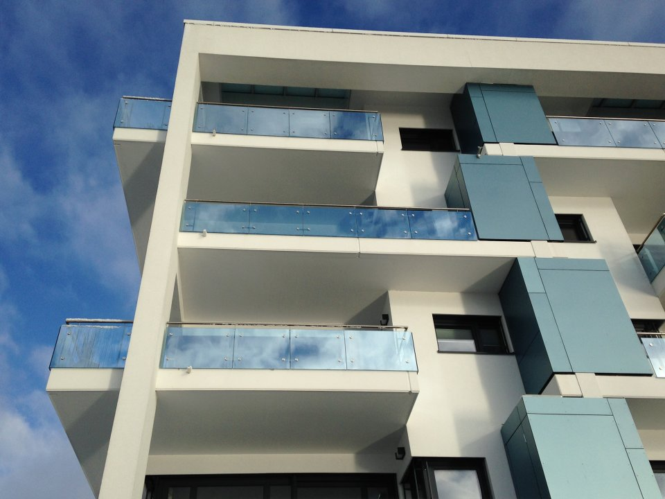Ein modernes Wohnhaus in der Überseestadt (Quelle: panzlau design und medien gmbh)